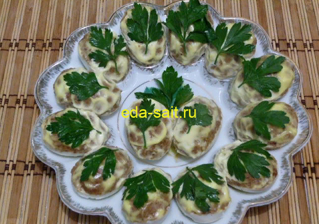 Яйца фаршированные куриной печенью пошаговый рецепт с фото