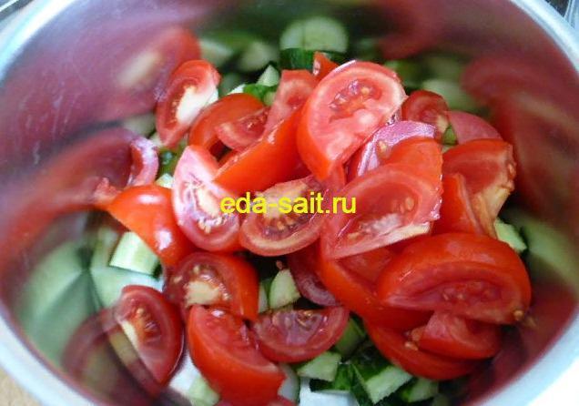 Салат помидоры, огурец, яйца