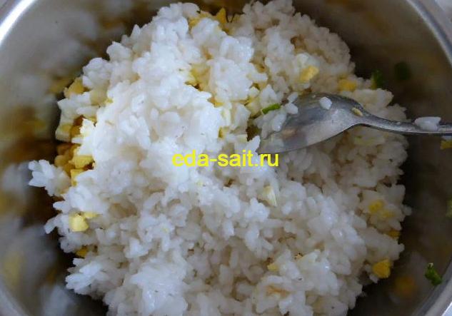 Классический салат с крабовым мясом