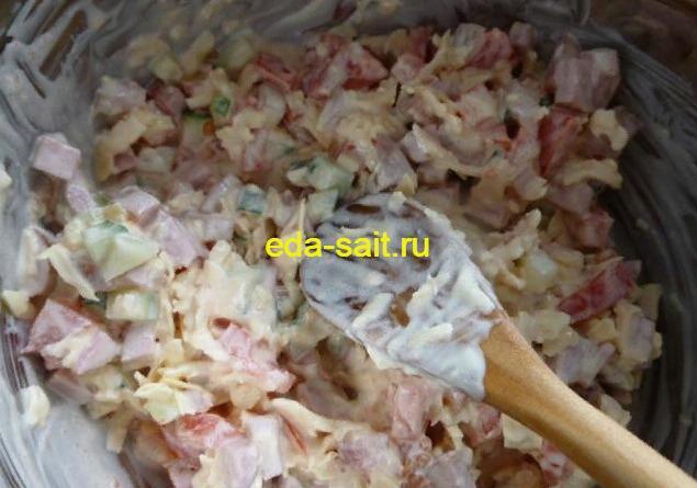 Рулет из лаваша с сосисками начинка