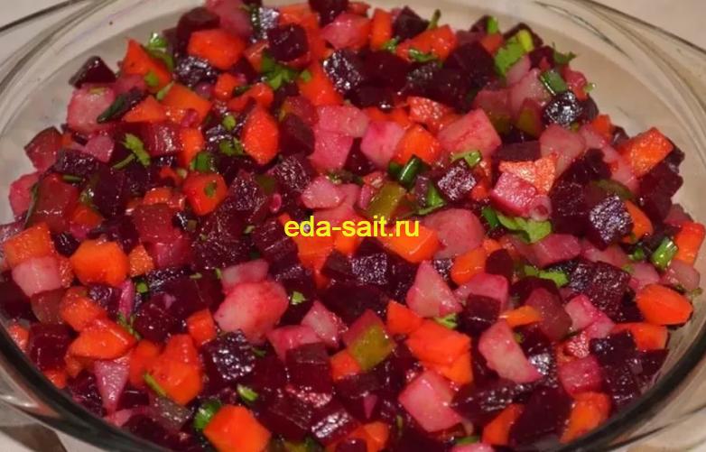 Салат с колбасным сыром и свеклой фото