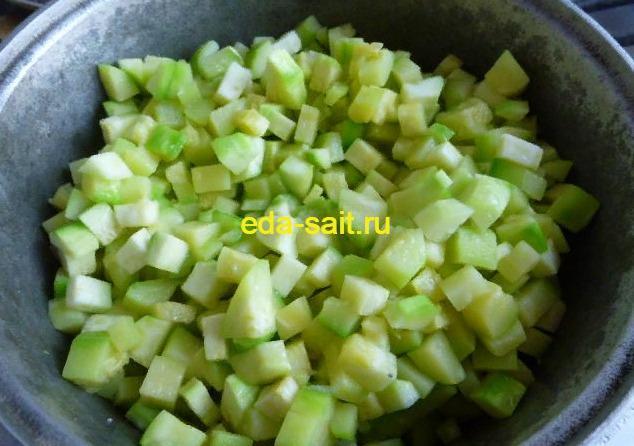 Как приготовить тушеные кабачки с сыром