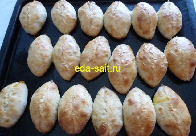 Пирожки с капустой и яйцами печеные