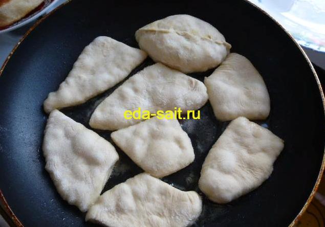 Жарим оставшееся дрожжевое тесто