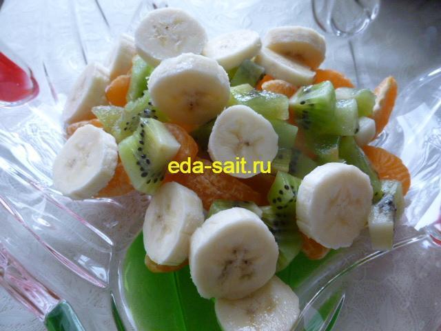 Бананы нарезанные кружками для фруктового салата