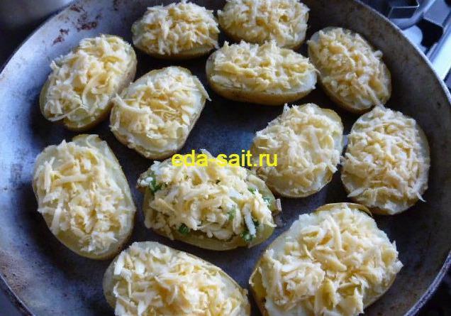 Фаршированный картофель с сыром