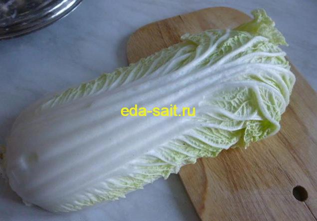 Нарезаем пекинскую капусту в салат