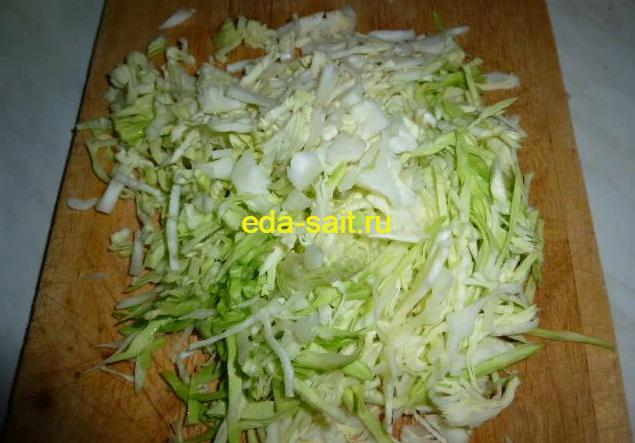 Шинкуем капусту для борща