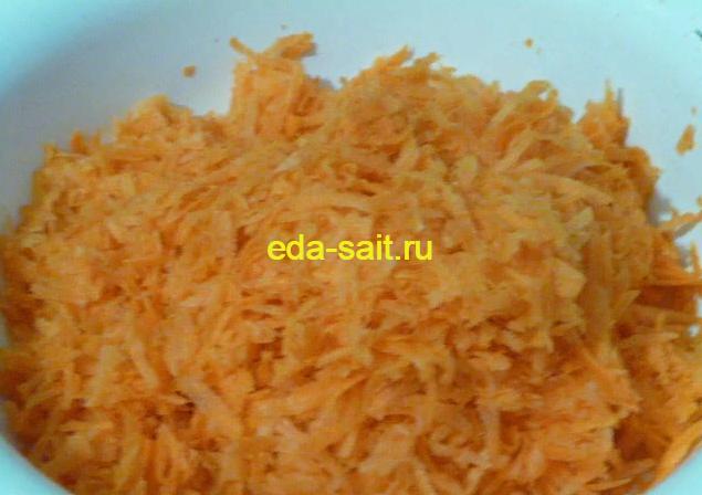 Морковь для запеканки трем на крупной терке