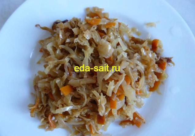 Капуста тушеная с луком и морковью фото