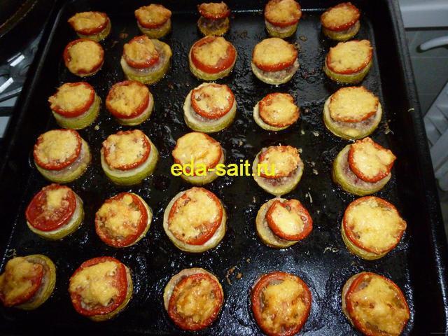 Кабачки с фаршем помидорами и сыром фото