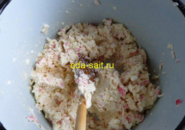 Начинка для лаваша из крабовых палочек, плавленого сыра и яиц