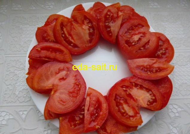 Закуска из помидоров и огурцов