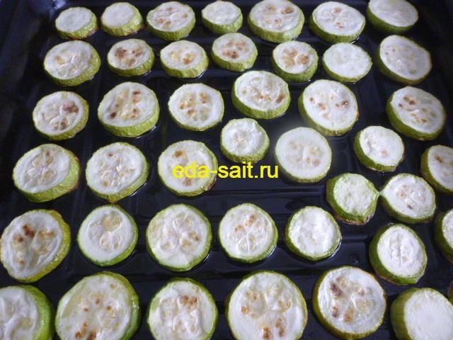Запеченные кабачки для томатной заливки