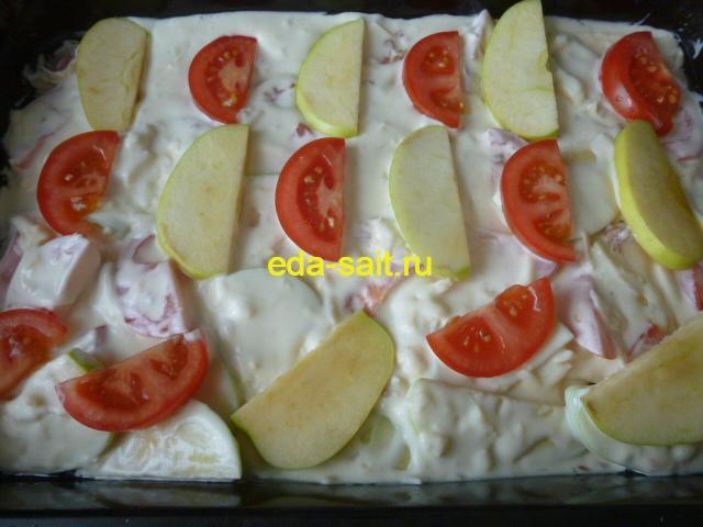 Запеканка с помидорами и яблоками ставим в духовку