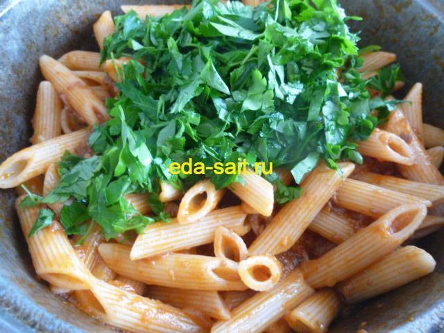 Макароны с тушенкой и томатной пастой рецепт с фото