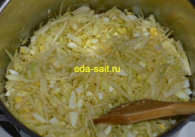 Начинка из капусты и яиц для заливного пирога