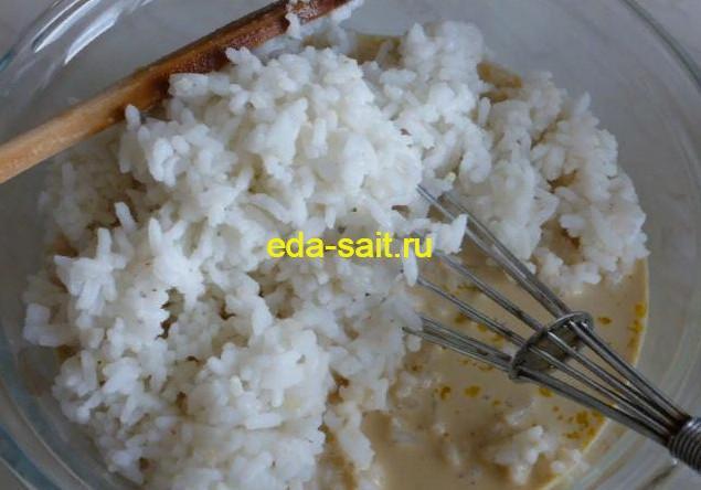 Добавляем в запеканку рис