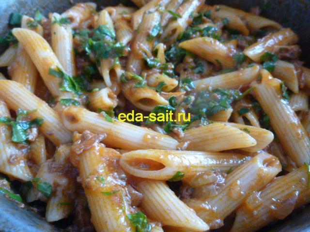 Как приготовить макароны с тушенкой и томатной пастой