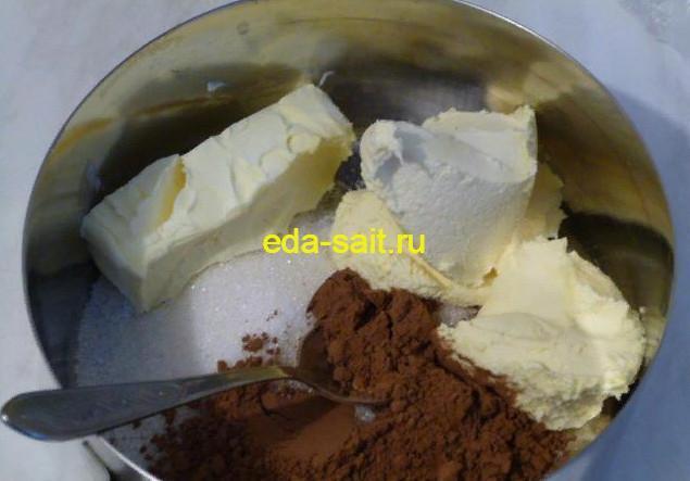Делаем глазурь для шоколадного кекса