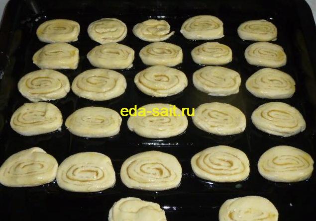 Ставим в духовку творожное печенье без яиц