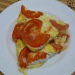 Омлет с помидорами и творогом в духовке