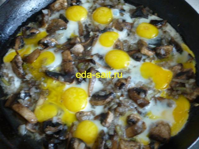 Яичница из перепелиных яиц