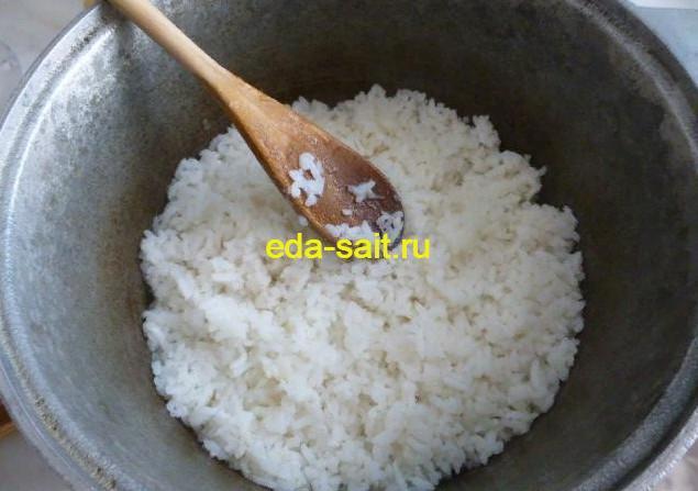 Формируем кабачки с рисом