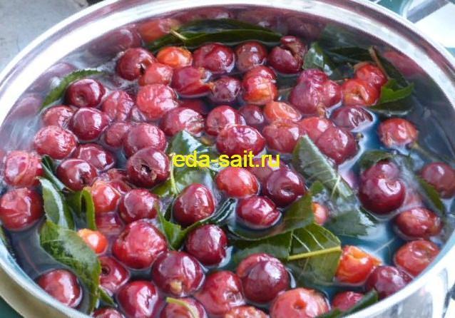 Добавить в вишневый ликер сахар