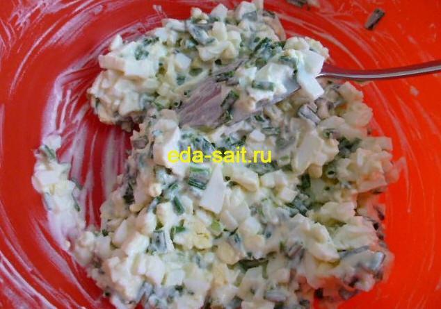 Бутерброды с яйцами и зеленым луком начинка