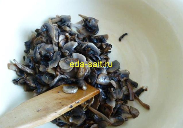 Обжаренные грибы для фарширования перцев