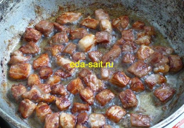 Обжаренная свинина для бигоса
