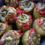 Перцы фаршированные гречкой и грибами