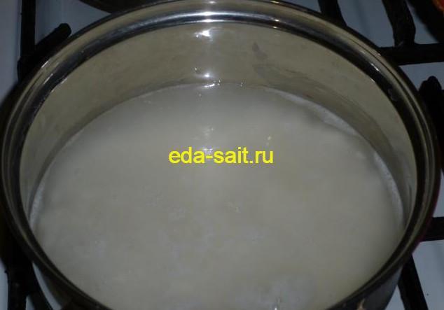 Доводим рис до кипения