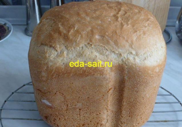 Белый хлеб в хлебопечке фото