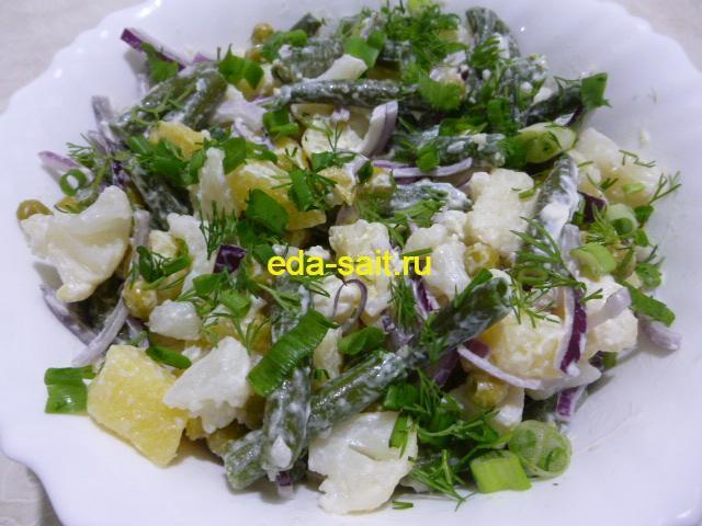 Диетический салат из овощей фото