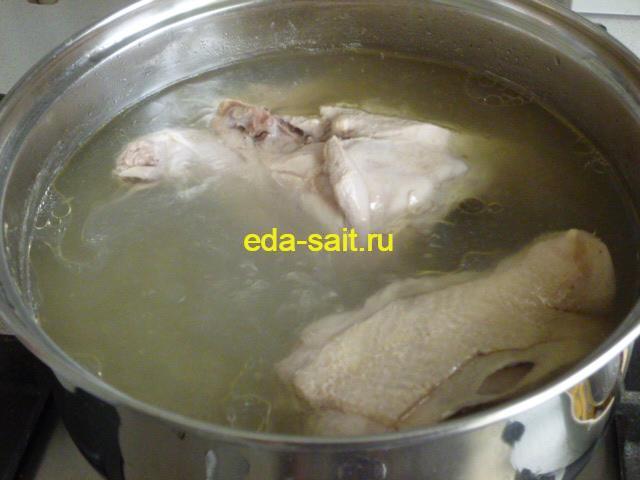 Куриный бульон для супа с брынзой