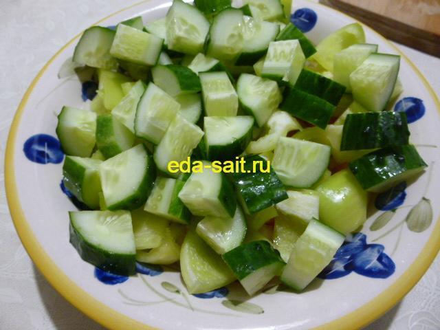 Огурцы в болгарском шопском салате