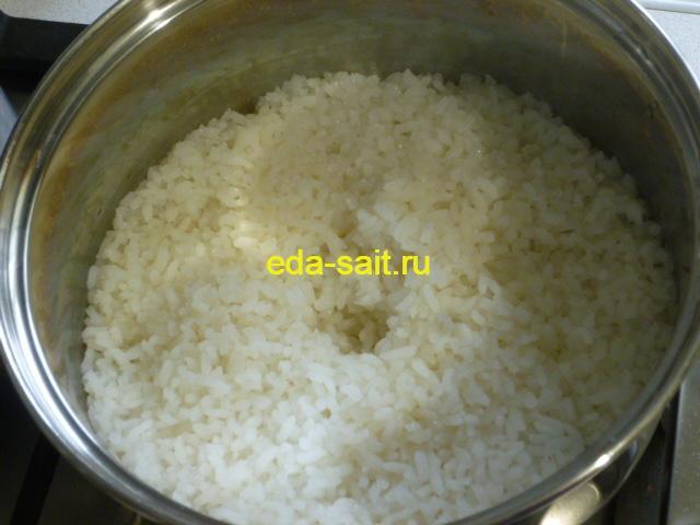Вареный рис для роллов с мясом