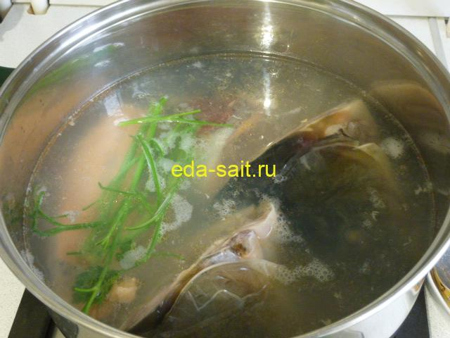 Солянка рыбная варим бульон