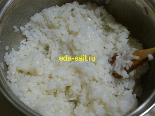 Добавить в рис для роллов уксус