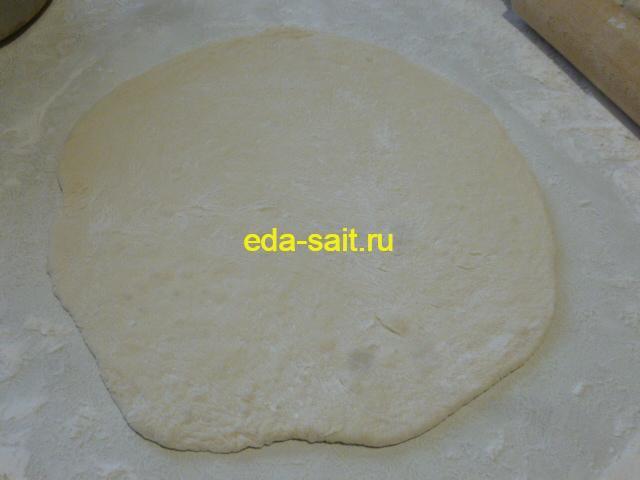 Раскатать тесто для пирожков с капустой