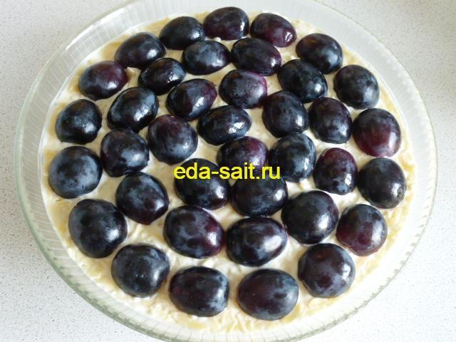 Салат с курицей виноградом и яблоком