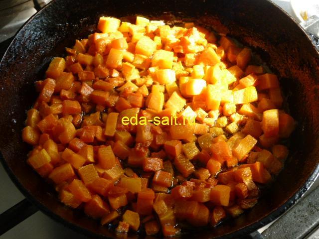 Обжаренная морковь для супа со шпинатом