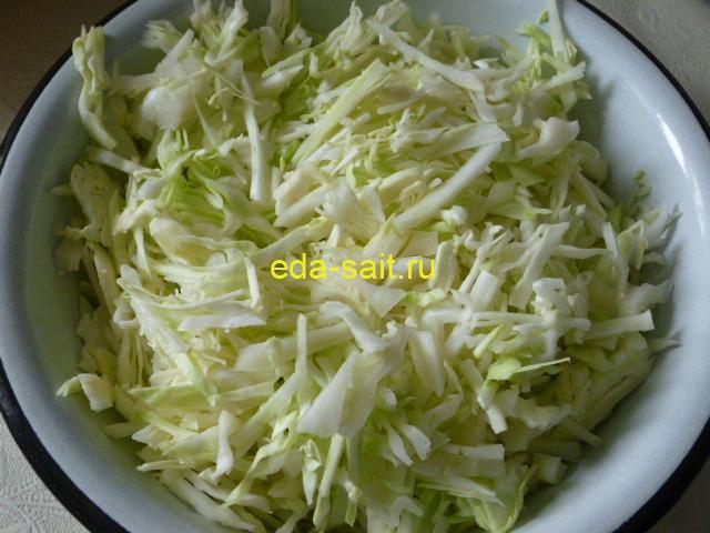 Нарезать капусту в щи с говядиной