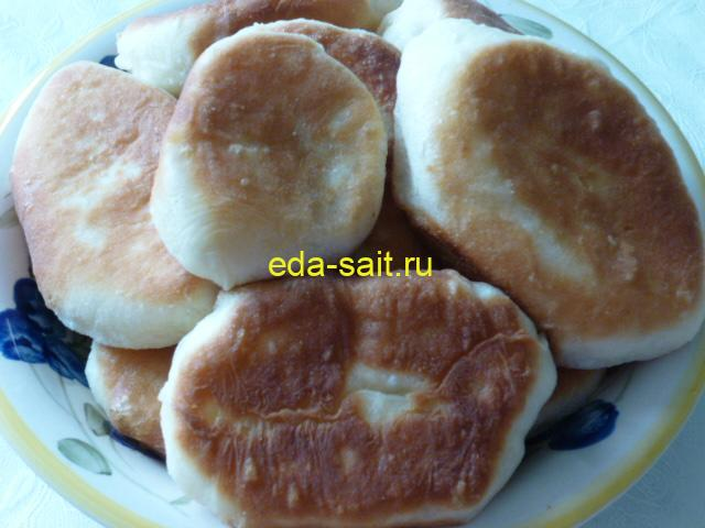 Жареные пирожки с капустой и яйцами