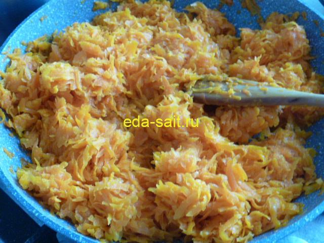 Обжарить морковь для лечо на зиму