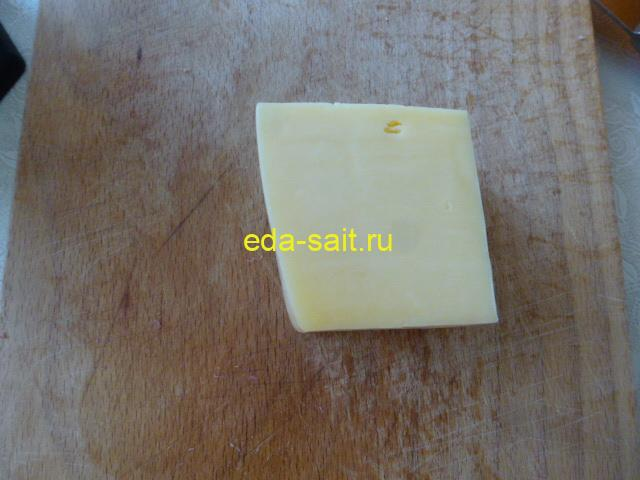 Сыр для бутербродов с колбасой и помидорами